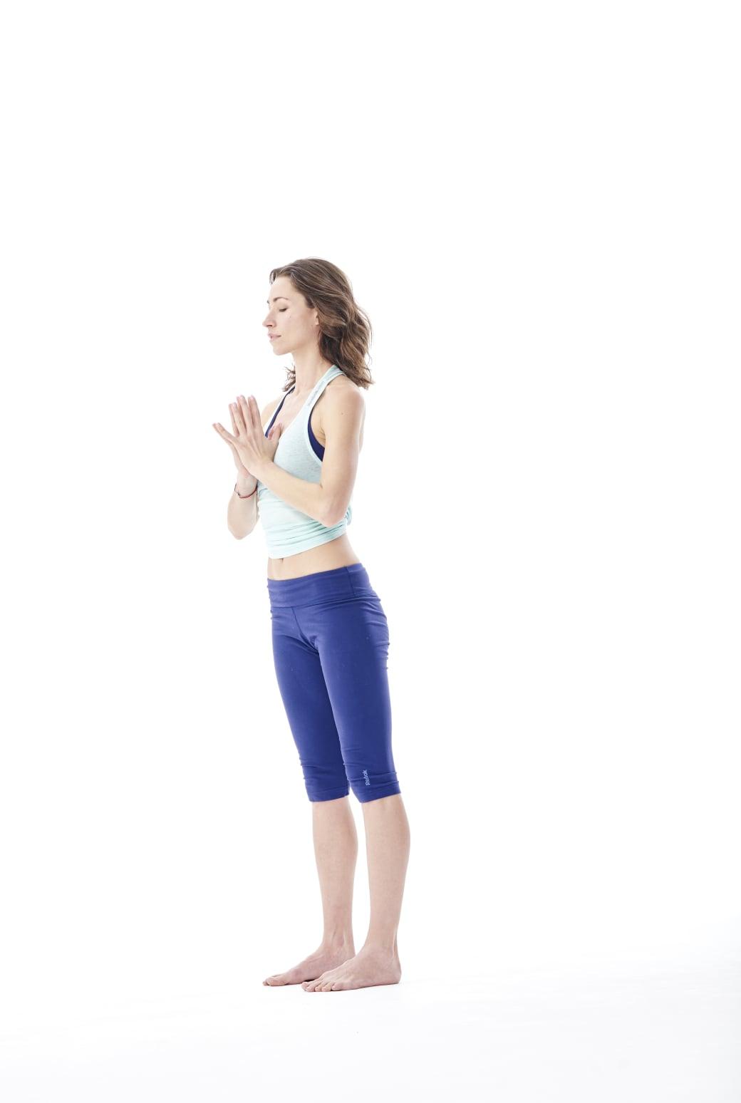 standing- gerakan yoga anti stres