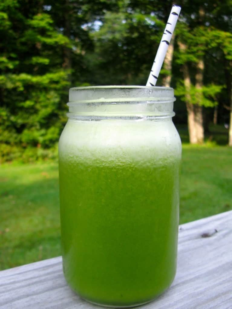 Liver-Detoxifying Green Juice Recipe