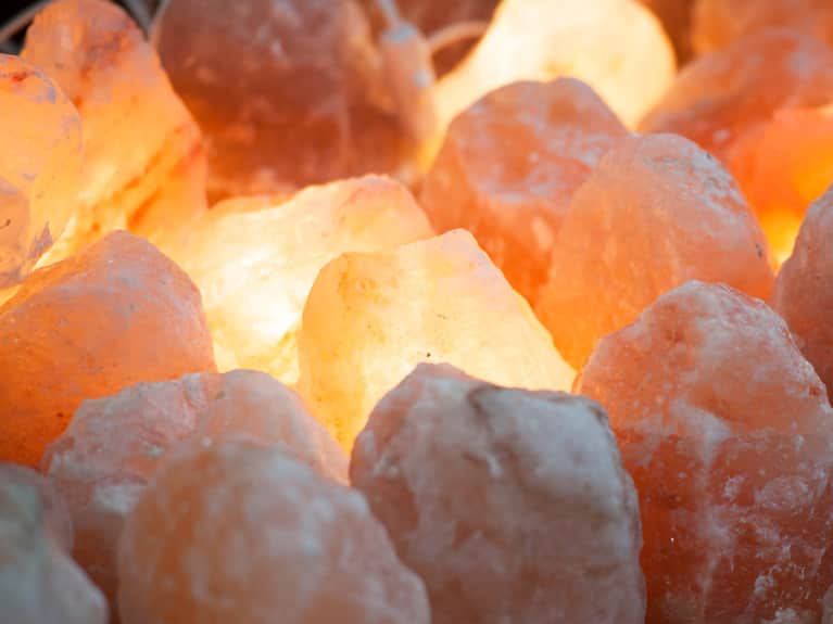 The Health Properties And Benefits Of Himalayan Salt Lamps