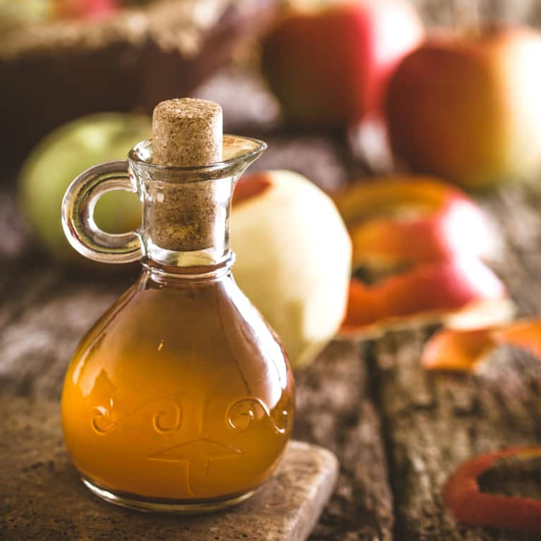 apple cider vinegar vs lemon water for gut health mindbodygreen. Black Bedroom Furniture Sets. Home Design Ideas