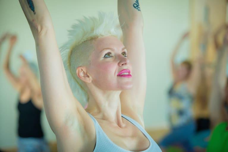 Blonde Aerobics Instructor Brooklyn Blue Gives Very