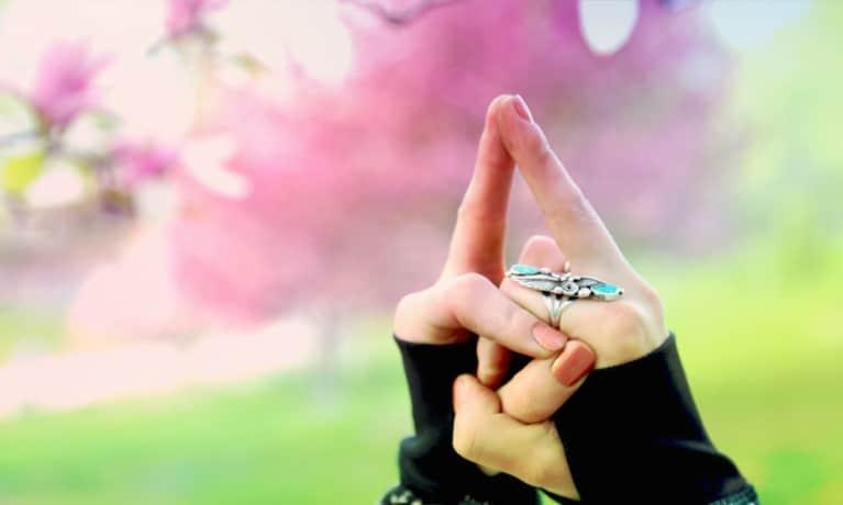 7 Mudras To Unlock Your 7 Chakras