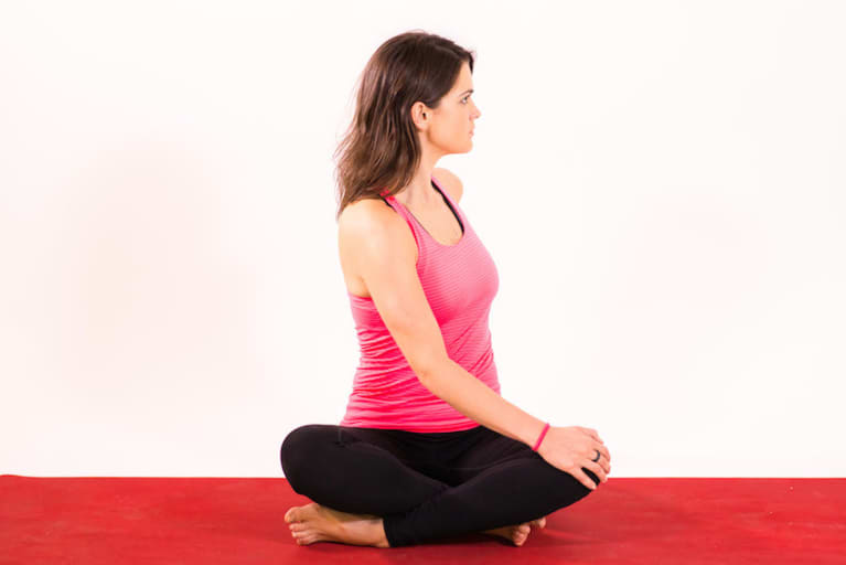 Come Up To A Simple Seated Cross Legged Position Place Your Right Hand On Left Knee And Fingertips The Ground Behind You
