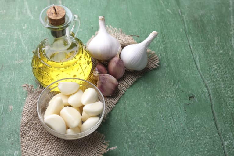 how to clear up garlic breath