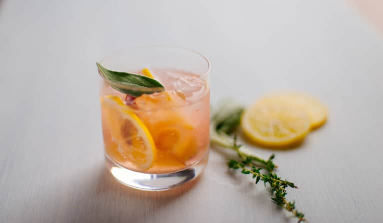 An Adaptogenic Tonic To Ease Cravings & Rev Up Metabolism