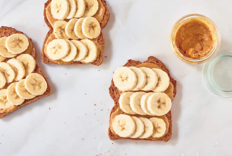 9 Post-Workout Snacks You Can Eat On The Go