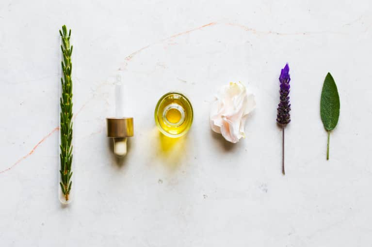 How To Use Essential Oils For Seasonal Allergies