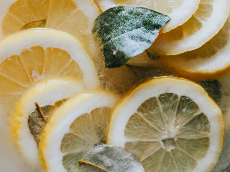 5 Daily Detoxifying Rituals To Add To Your Self-Care Routine
