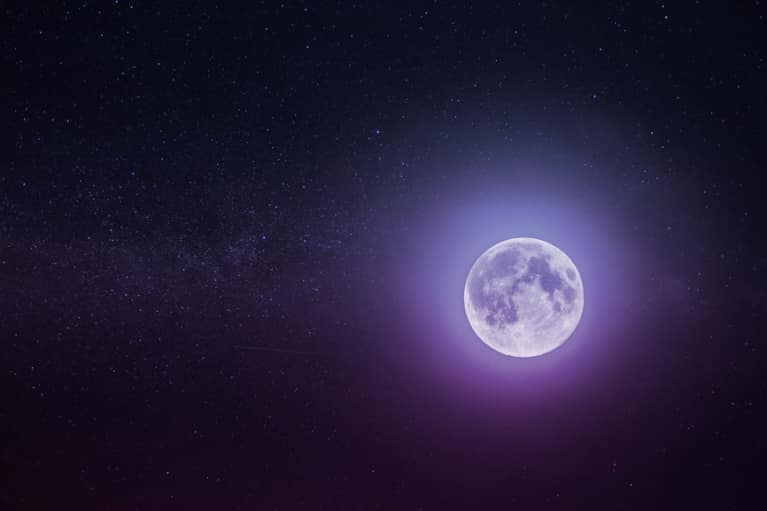 Tonight's Pisces Full Moon + Lunar Eclipse Hold The Key To Letting Go & Moving On