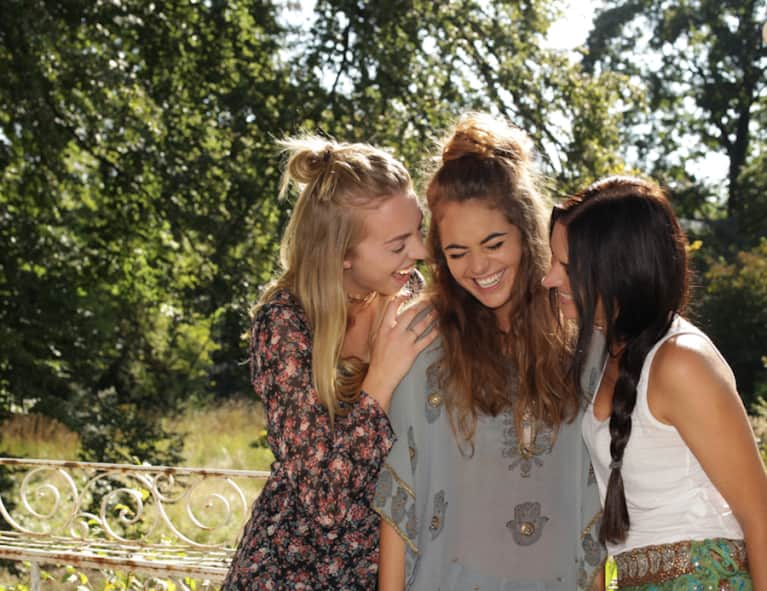 how to change from friends to dating The secret way to get down with people nearby now over 5 million users the most honest dating app - if you want to hookup, say so formerly known as bang with friends.