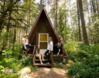 The Most Fantastic Tiny Homes You Can Rent On Airbnb Right Now