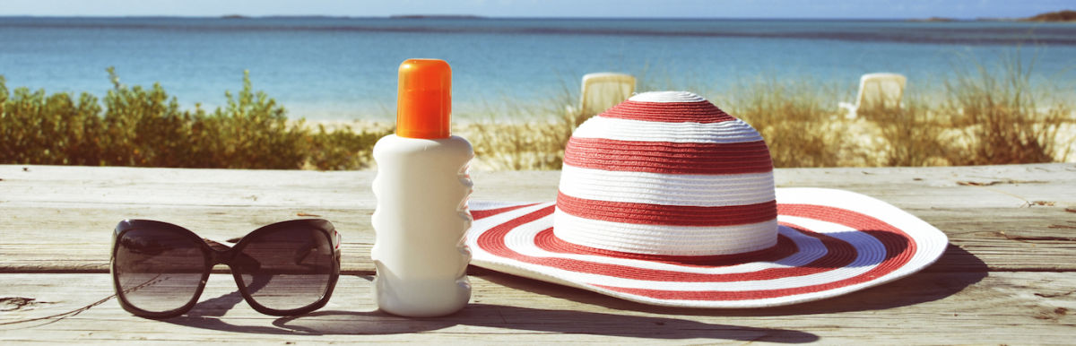 Choose A Nontoxic Sunscreen: 3 Things To Look For & 3 To Avoid Hero Image