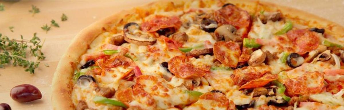 Papa John's Is The Latest Food Chain To Shun Artificial Ingredients Hero Image