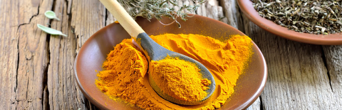 Get Glowing Skin With This DIY Turmeric Face Mask Hero Image