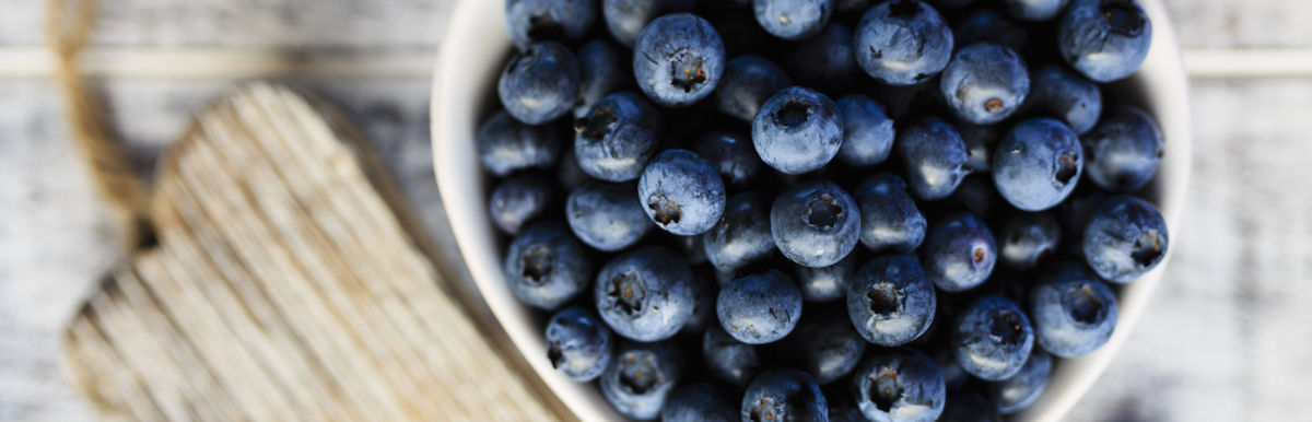 5 Reasons To Eat Blueberries Every Day (If You Aren't Already) Hero Image