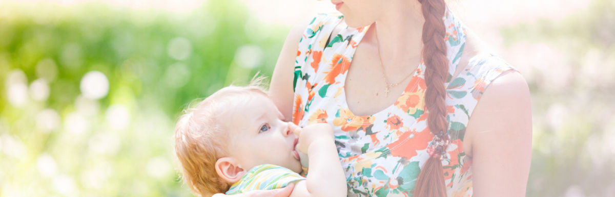 13 Moms Show The Beauty Of Breast-Feeding In These Stunning Photos Hero Image