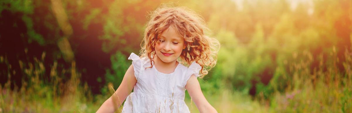 6 Ways To Raise Happy, Kind & Confident Children Hero Image