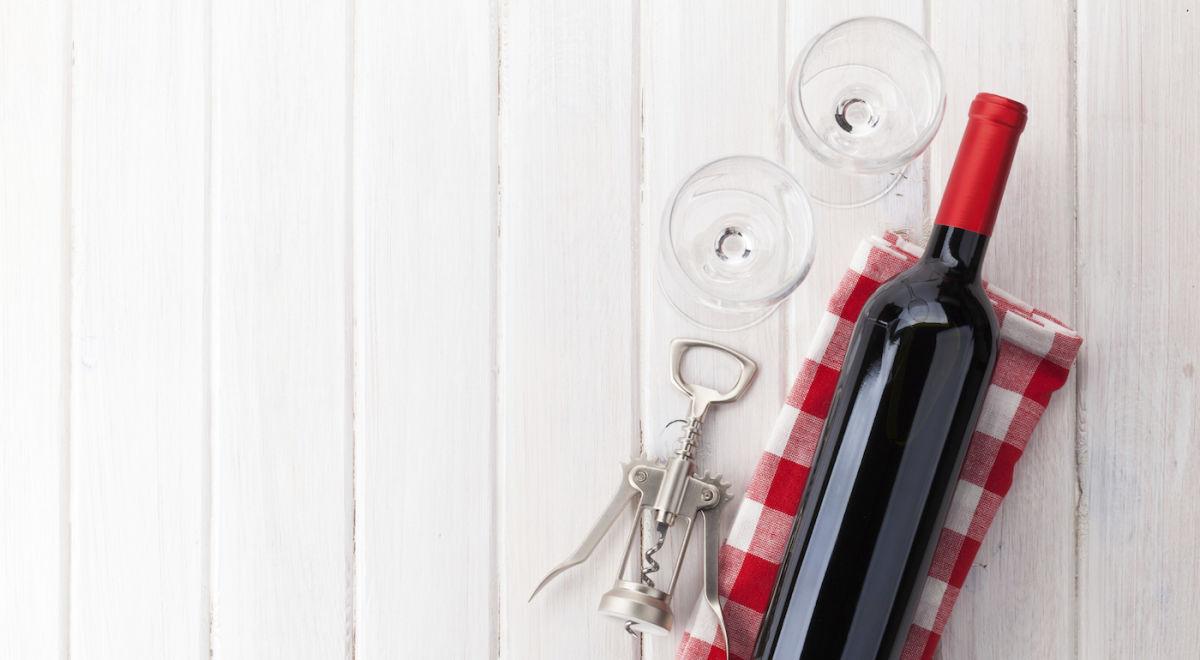 A Beginner's Guide To Organic, Biodynamic & Vegan Wine Hero Image