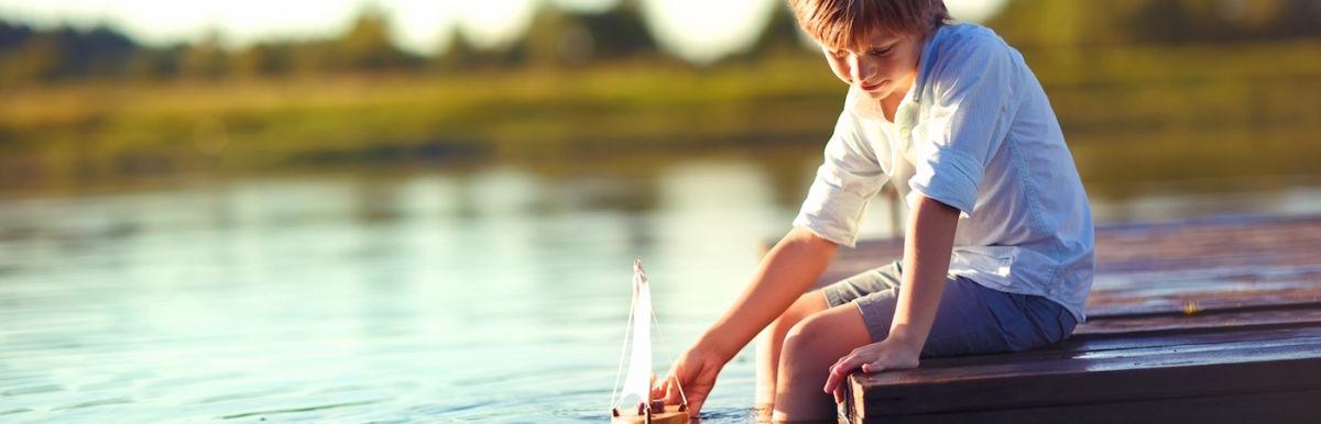 8 Ways To Raise Calm, Happy Kids + Boost Their Social Skills Hero Image