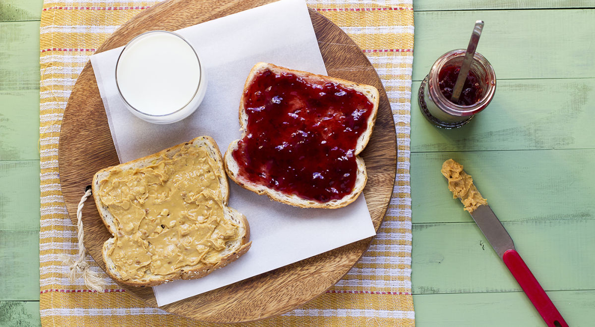 Recipe: Healthy Vegan PB&J Smoothie Hero Image