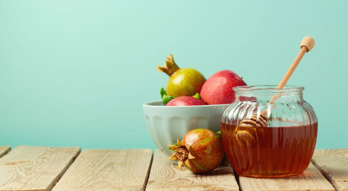 3 Tips For A More Plant-Based Rosh Hashanah Celebration Hero Image