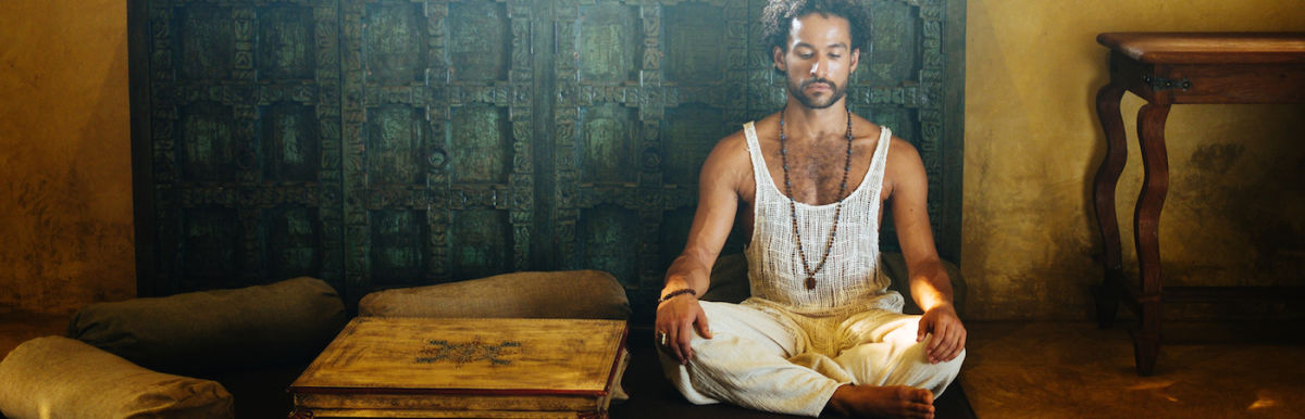 6 Signs You're Meditating All Wrong + What To Do Instead Hero Image