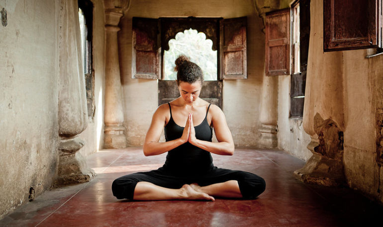 I'm A Yogi Who Started Meditating Every Day For A Week. Here's What Happened Hero Image