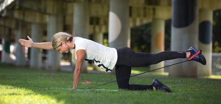 1-Minute Ab Moves To Shake Up Your Core Workout Hero Image