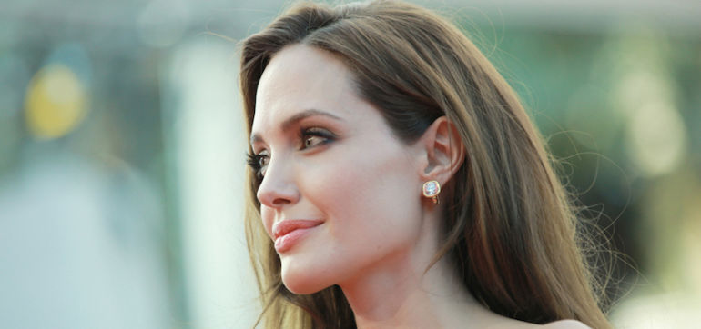 Angelina Jolie Pitt Explains Her Decision To Remove Her Ovaries Hero Image