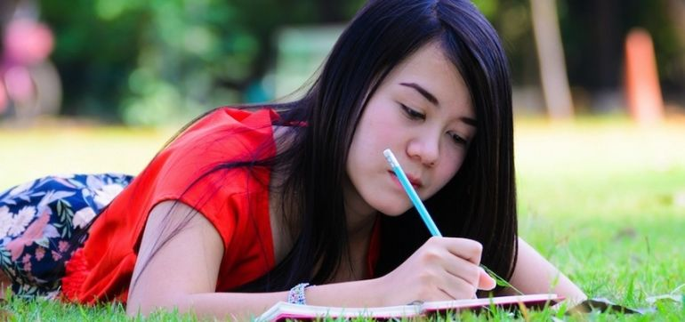 How Journaling Can Hone Your Intuition Hero Image