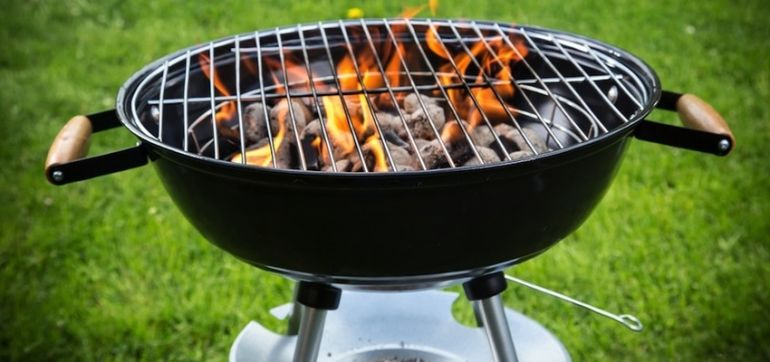 Here's How To Avoid Carcinogens When You're Grilling Hero Image