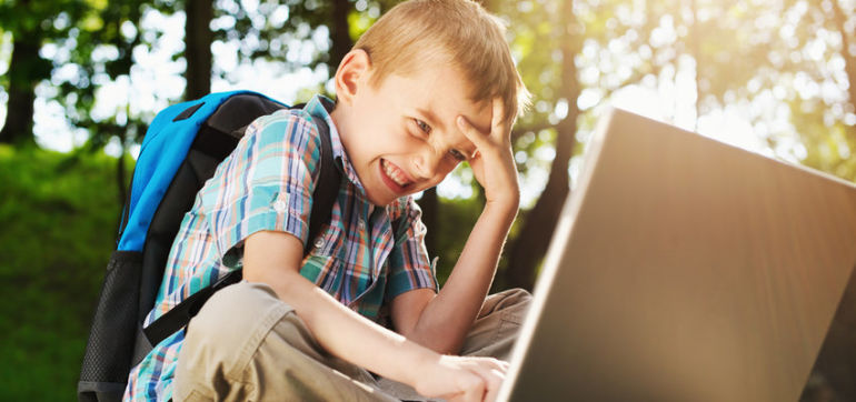 5 Rules To Keep Your Children's Internet Use Healthy Hero Image