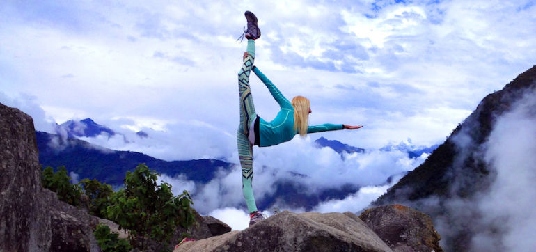 10 Tips To Take Great Yoga Pics On Instagram Hero Image