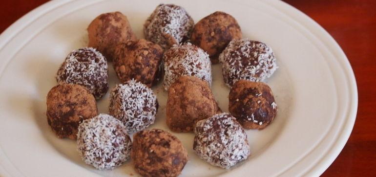 Chocolate-Chia Power Balls: Gluten, Fructose & Dairy Free Hero Image