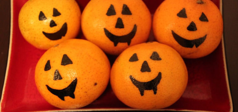 Clementine Jack-O-Lanterns: A Healthy Halloween Treat! Hero Image
