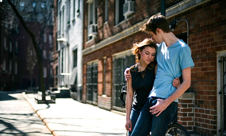10 Signs You're In A Codependent Relationship Hero Image