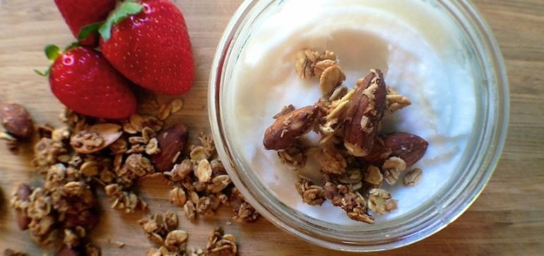 Raw Recipe: A Coconut Yogurt Your Gut Will Love Hero Image