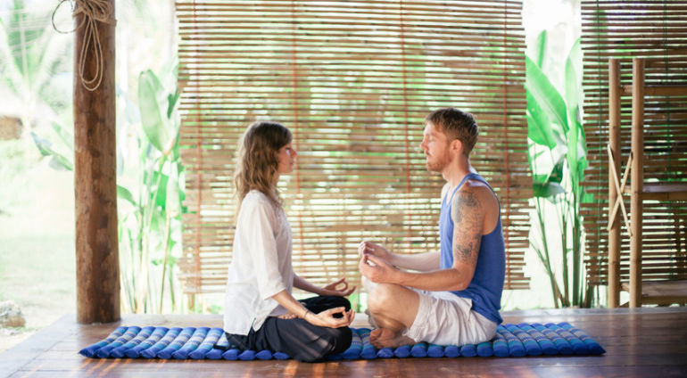 5 Reasons It's Better To Meditate With A Friend Hero Image
