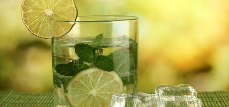 5 Easy Ways To Drink Enough Water Hero Image