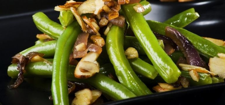 Green Beans With Mushrooms & Almonds Hero Image