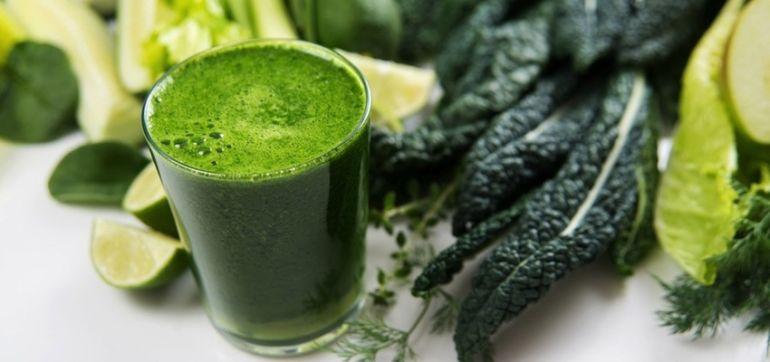 Simple & Delicious Pina Kale-ada Smoothie Hero Image