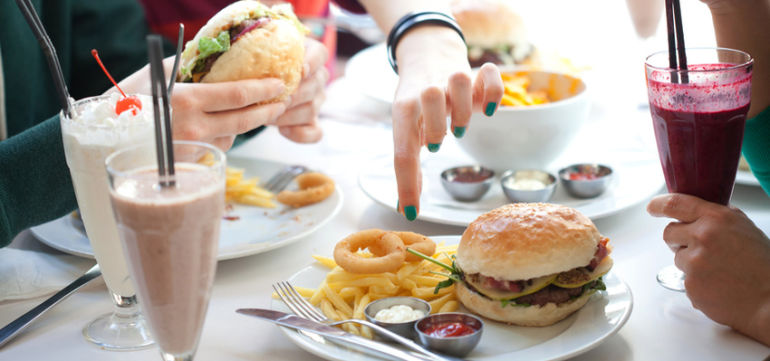 What To Do If You're Trapped In A Vicious Junk Food Cycle Hero Image