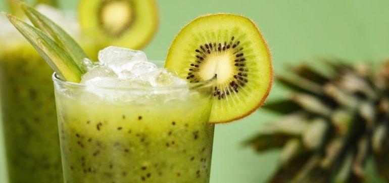 Brain-Boosting Green Tea & Kiwi Smoothie Hero Image