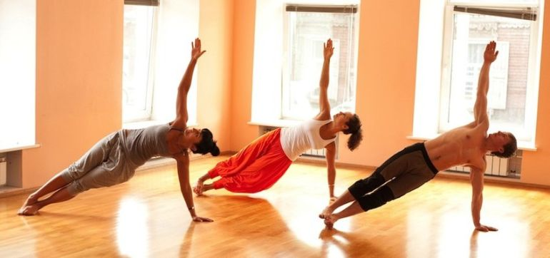5 Things I Wish I Knew Before My First Hot Yoga Class Hero Image