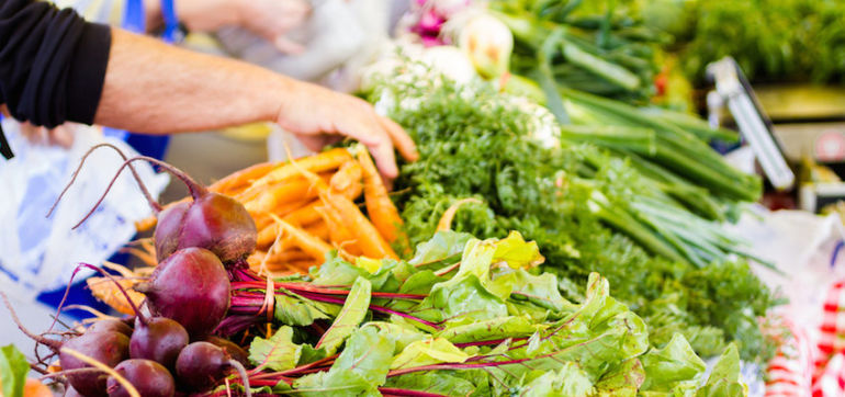 10 Tips To Keep Your Grocery Bill Low & Still Eat Healthy Hero Image