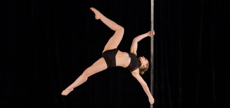 7 Reasons Why Pole Dancing is Empowering To Women Hero Image