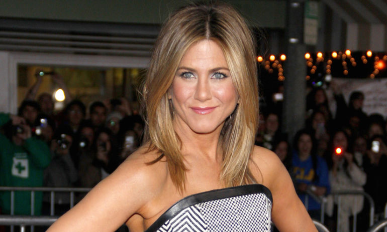 Jennifer Aniston Takes A Stand On Why Natural Beauty Is Better Hero Image