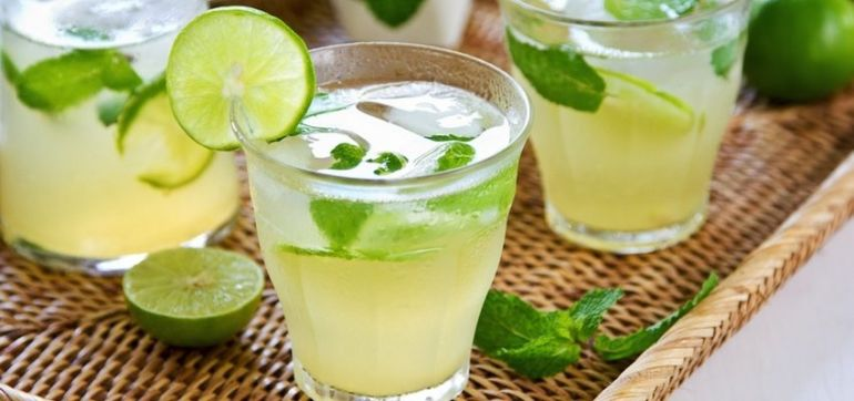 Cool Off With These 5 Healthy Summer Drinks Hero Image
