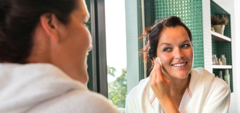 5 Holistic Ways To Treat Acne Hero Image
