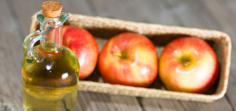 How I Cured My Acne With Apple Cider Vinegar Hero Image